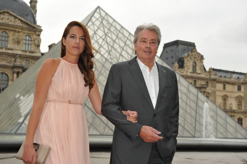 Anouchka et Alain Delon en marge d\