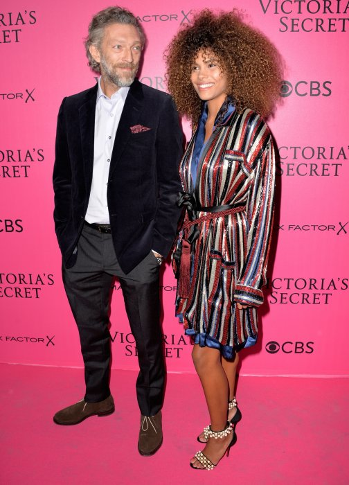 Vincent Cassel et Tina Kunakey lors du photocall du Victoria\