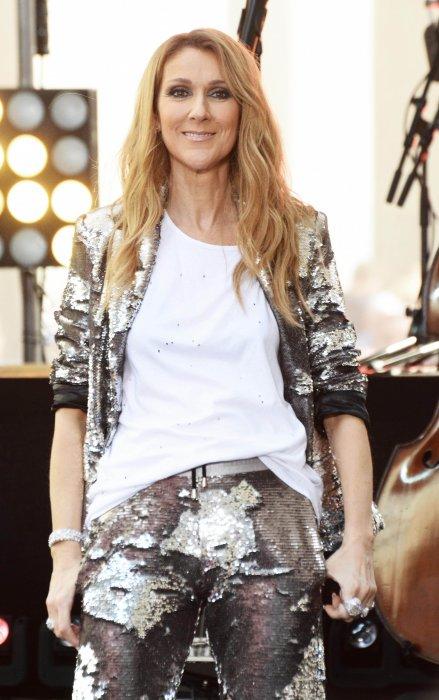 Céline Dion chante lors de l\