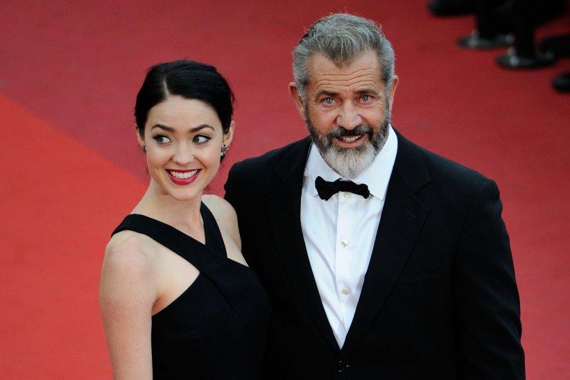Mel Gibson et Rosalind Ross à la cérémonie de clôture du 69ème Festival de Cannes, le 22 mai 2016.