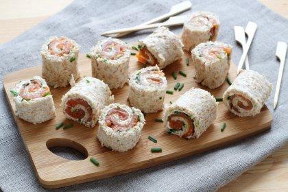 Mini-roulés au saumon et fromage frais