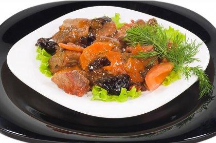 Lapin aux carottes et pruneaux