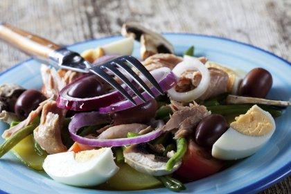 Salade de légumes au thon