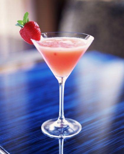 """Cocktail fraise vodka le 'baiser de feu"""""""