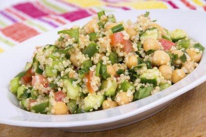 Salade veggie de quinoa et pois chiches