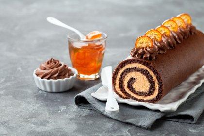 Bûche au chocolat noir et crème de kumquats