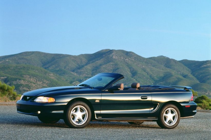 Ford Mustang IV Cabriolet (1994)
