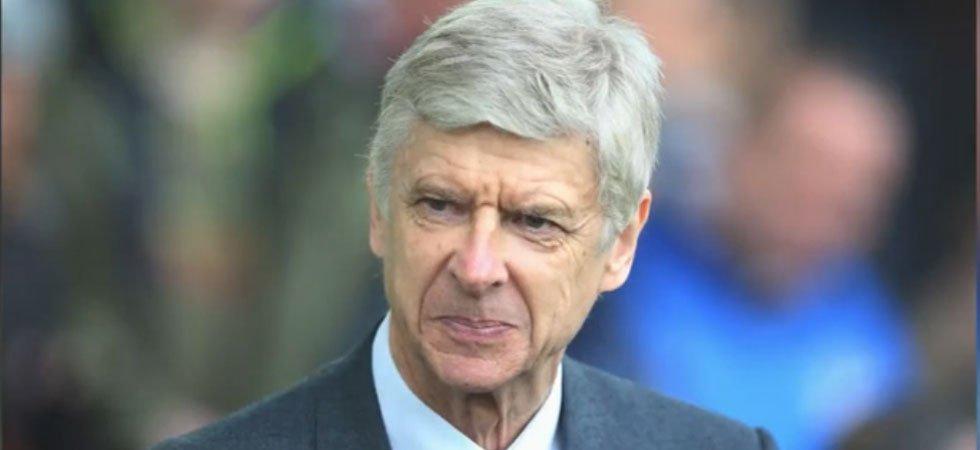 Arsène Wenger blessé par l'un de ses joueurs
