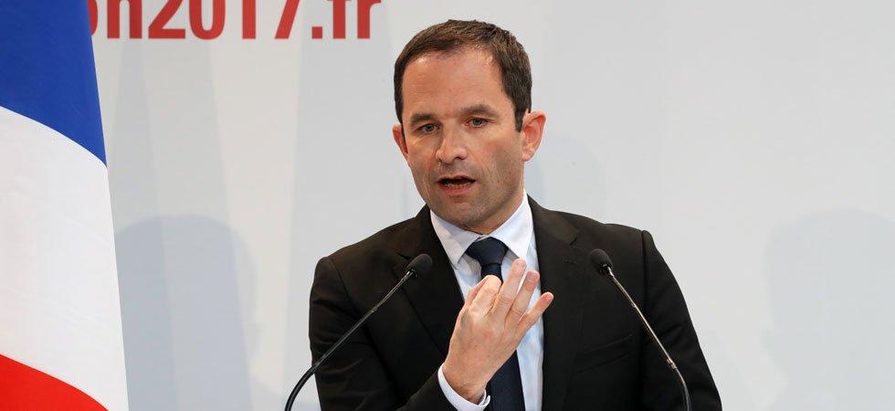 Présidentielle : un étrange SMS évoque le retrait de Benoît Hamon