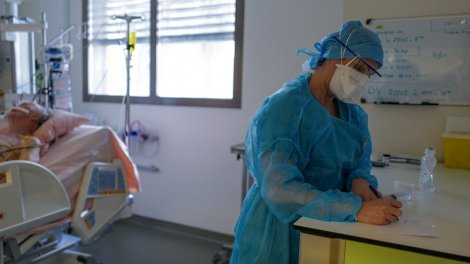 Covid-19 : la pression hospitalière se maintient, le taux d'incidence augmente - Actu Orange