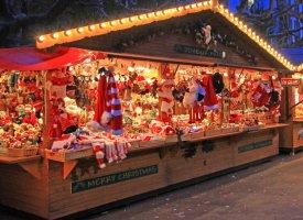 Brest : des danseuses de pole dance font polémique au marché de Noël