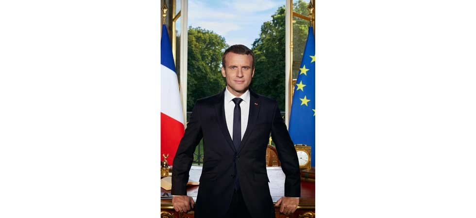 Emmanuel Macron publie sa photo officielle sur Twitter