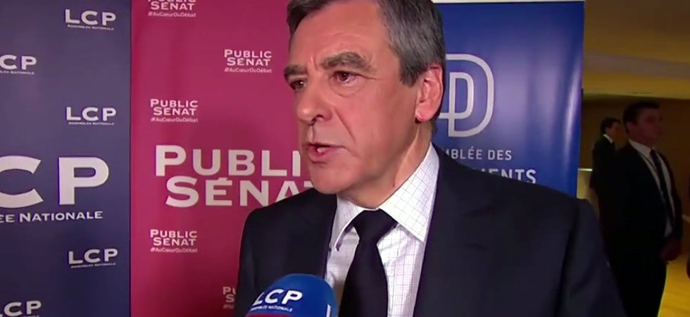 Agacé par une question d'une journaliste, François Fillon la remet en place sèchement
