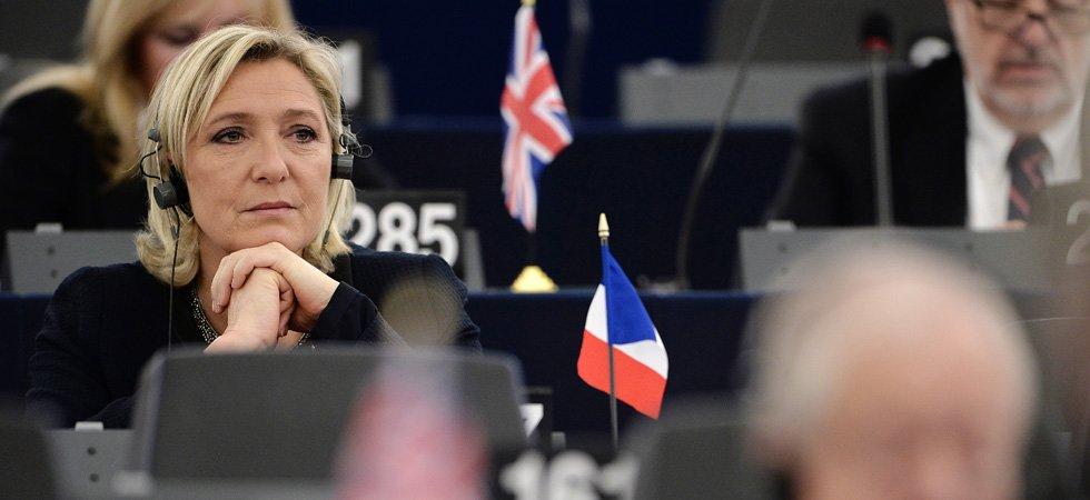 Marine Le Pen va-t-elle devoir rembourser plus de 300.000 euros à l'Union européenne ?