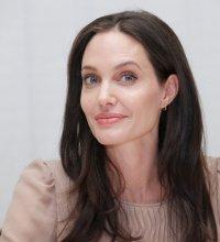 Pour adopter Maddox, Angelina Jolie aurait utilisé des documents falsifiés