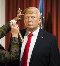 Donald Trump a sa statue de cire en poil de yak