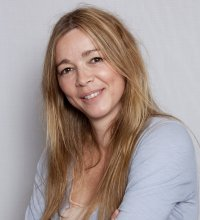 """Hélène Rollès sur ses enfants : """"Ils commencent à découvrir que je suis connue"""""""