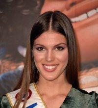 Iris Mittenaere : son appel au vote très sexy pour Miss Univers