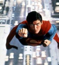 Les costumes de Batman et Superman mis aux enchères