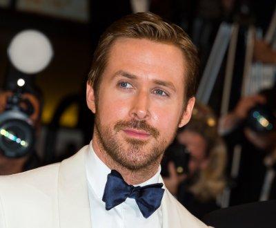 Vu sur le Web: Ryan Gosling hôte, Emma Watson épaulée et Cumberbatch journaliste
