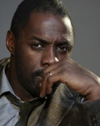 Idris Elba en gangster face à Robert Pattinson et Al Pacino
