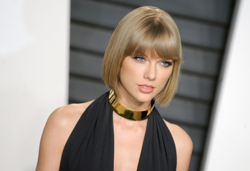 Taylor Swift, une main mal placée