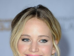 Jennifer Lawrence, égérie du maquillage Dior Addict !