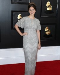 Grammy Awards 2020 : Lana Del Rey a acheté sa robe... au centre commercial