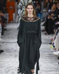 Fashion Week : Stella McCartney met la forêt indonésienne à l'honneur