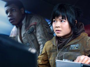 Star Wars : Rian Johnson soutient Kelly Marie Tran, harcelée sur Instagram