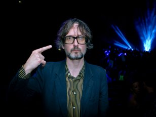 "Jarvis Cocker, son retour surprise avec ""Likely Stories EP"""