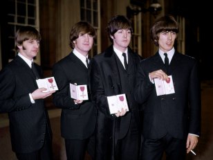 Le plus grand fan des Beatles va vendre sa collection aux enchères