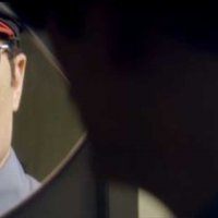 Officer Downe - bande annonce - VO - (2016)