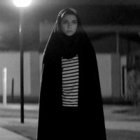 A Girl Walks Home Alone At Night - Extrait 3 - VO - (2014)