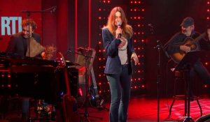 Carla Bruni - Quelque chose (Live) - Le Grand Studio RTL