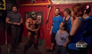 Fort Boyard : le strip-tease de Mr Boo !