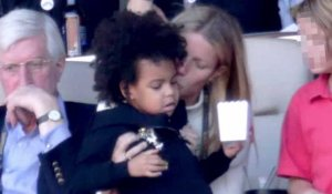 Gwyneth Paltrow s'occupe de la fille de Beyoncé, Blue Ivy, durant le Super Bowl