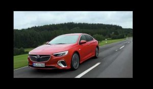 Opel Insignia GSi Driving Video