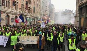 f4b12fb588f La manifestation des syndicats CGT FO et des gilets jaunes à travers ...
