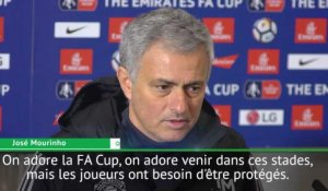 Man. United - Mourinho : ''Sanchez est solide''