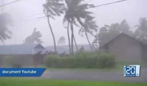 Le super typhon Haiyan frappe les Philippines