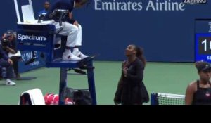 Serena Williams pète les plombs contre l'arbitre en finale de l'US Open (vidéo)