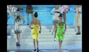 fashiontv | FTV.com - NEW SILK ROAD MODEL LOOK, SANYA-CHINA 2007