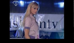 fashiontv | FTV.com - YES LONDON ITALY FASHION SHOW - SUNNY BEACH