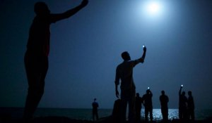 Une photo de migrants au clair de lune primée au World Press 2014