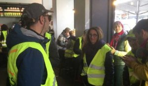 "Occupation d'un Starbucks par des ""gilets jaunes"" à Paris"