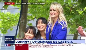 Hommage à Johnny : l'émotion de Laeticia en direct de Toulouse