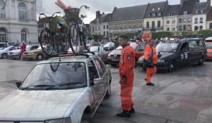 Départ du Two Ball Rally sur la place Foch à Saint-Omer