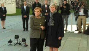 Brexit: Theresa May rencontre Angela Merkel à Berlin