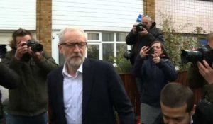 Brexit: Corbyn quitte son domicile pour rencontrer Theresa May